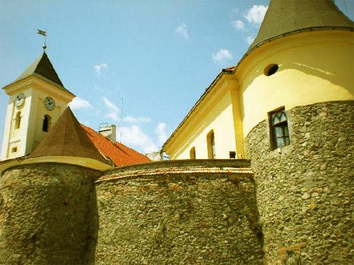 Замок Паланок. Стены замка