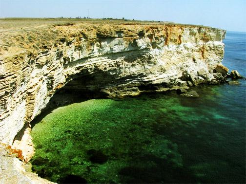 Мыс Тарханкут, чистейшая вода и дикие скалы