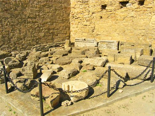 Развалины древней Тиры, более 2500 лет назад