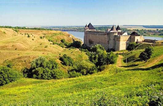 Хотинская крепость. Окрестность возле крепости