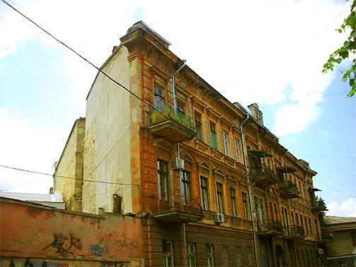 Плоский дом или Дом-стена