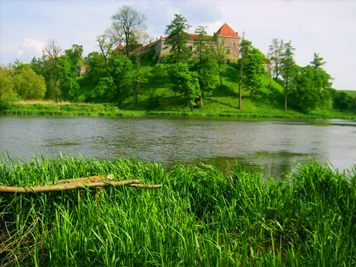 Замок Свирж. Река Свирж