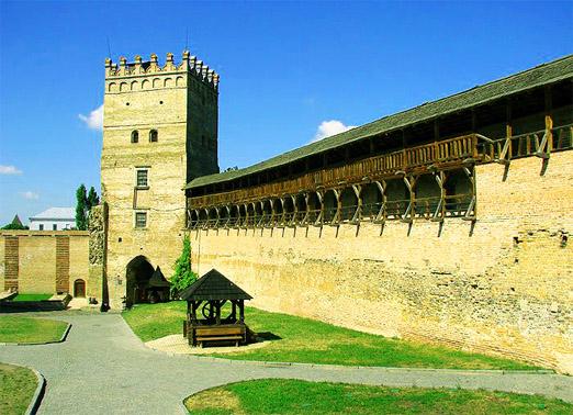 Луцкий замок или замок Любарта. Стены замка