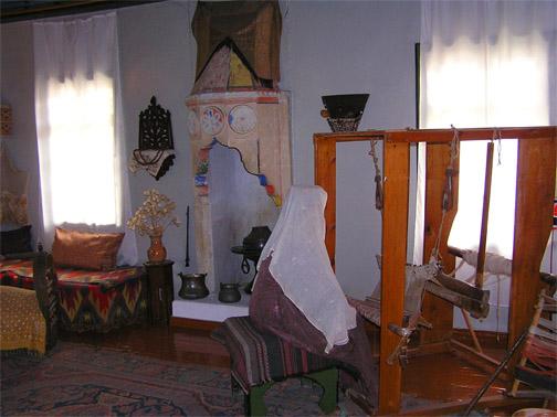 Ханский Дворец. Музейные экспонаты
