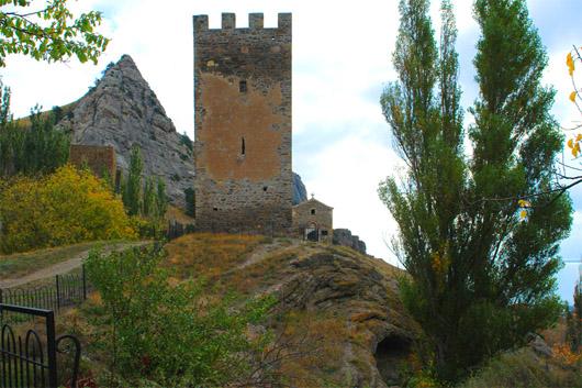 Генуэзская (Судакская) крепость. Портовая башня
