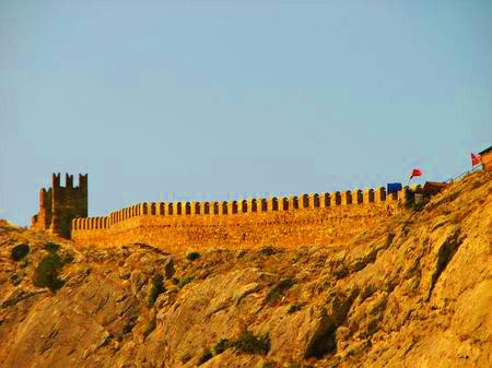 Генуэзская (Судакская) крепость. Оборонительная стена