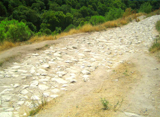 Пещерный город Чуфут-Кале. Дорога к городу