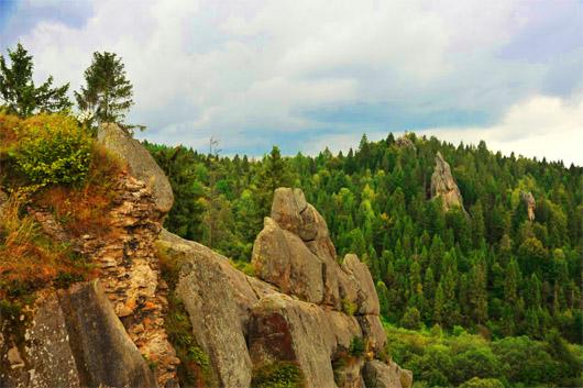 Урицкие скалы. Тустань