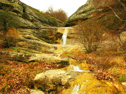 урочище Демерджи. Водопад Джурла осенью