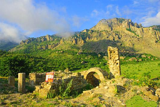 урочище Демерджи,  средневековая крепость Фуна