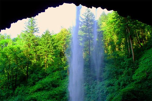 Водопад Кобалар или водопад Козырек во время весеннего паводка