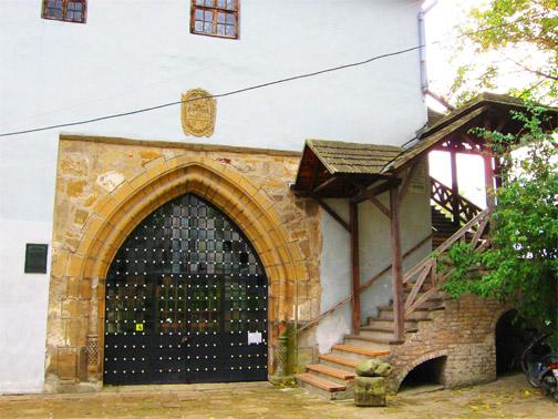 Замок князей Острожских. На територии замка