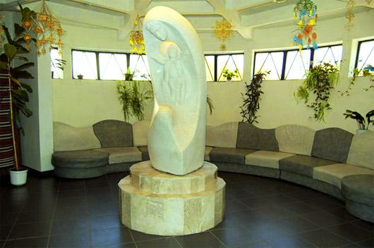 Музей Писанка в Коломые. Скульптура матери Божьей с ребенком