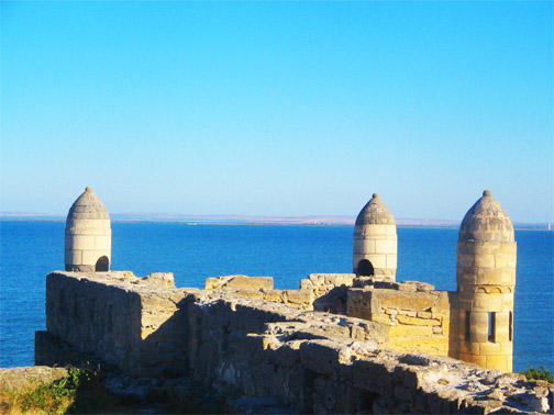 Турецкая крепость Ени-Кале на Керченском полуострове. Вид изнутри крепости