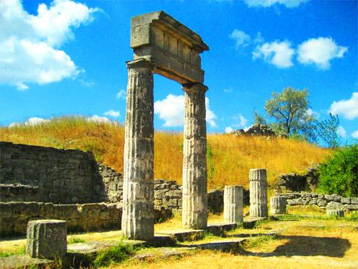 Город Пантикапей. Древние греческие колонны