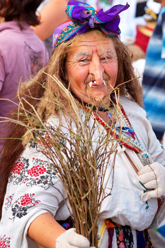 Национальная Сорочинская ярмарка в Великих Сорочинцах. Театрализованное представление с участием Гоголевских персонажей