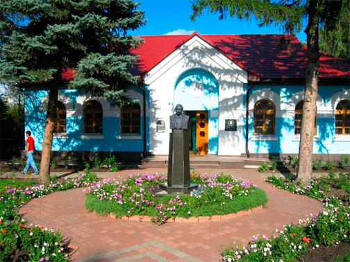 Национальная Сорочинская ярмарка в Великих Сорочинцах. Знаменитый дом Гоголя