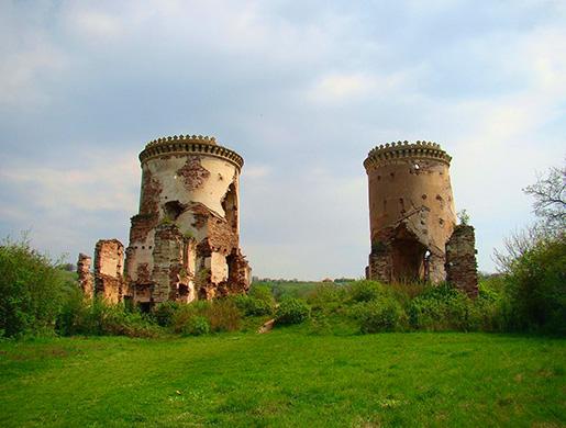 Червоноградский замок у Джуринского водопада