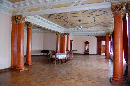 Интерьер дворца в Качановке