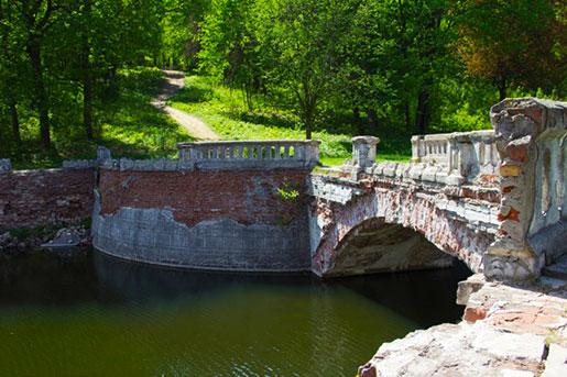 Мост перед дворцом Кенига