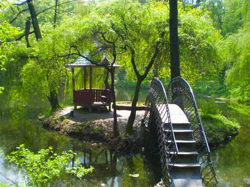 Мост к беседке