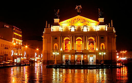 Ночной оперный театр во Львове