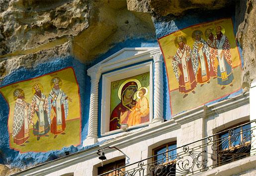 Роспись и иконы пещерного монастыря