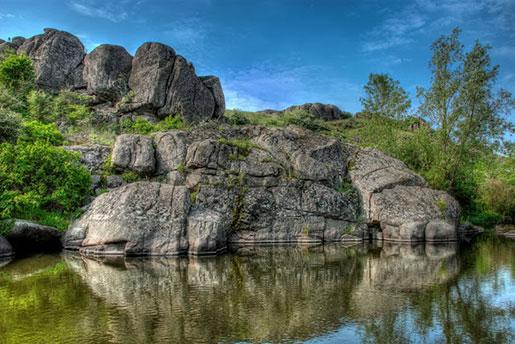 Актовский каньон, Актово