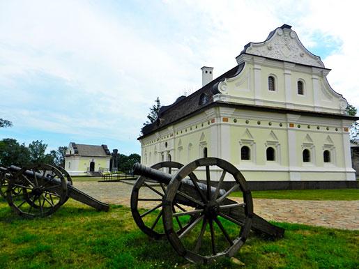 Внутренний двор Батуринской крепости