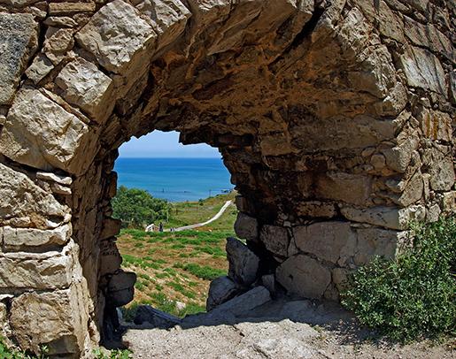 Проход в Арабатской крепости