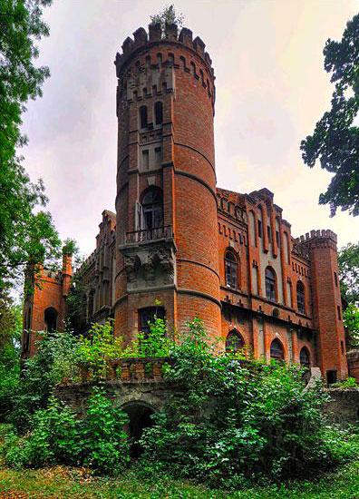 Башня в усадьбе Даховских