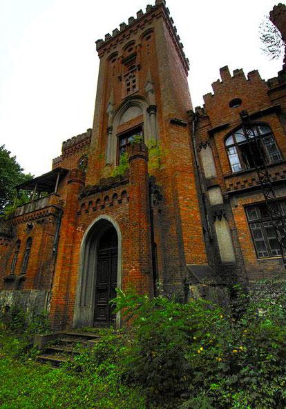 Неоготический дворец